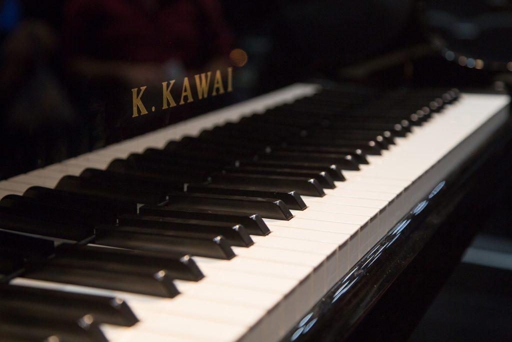 Piano spelen? 17 handige tips om snel je favoriete nummers te kunnen spelen!