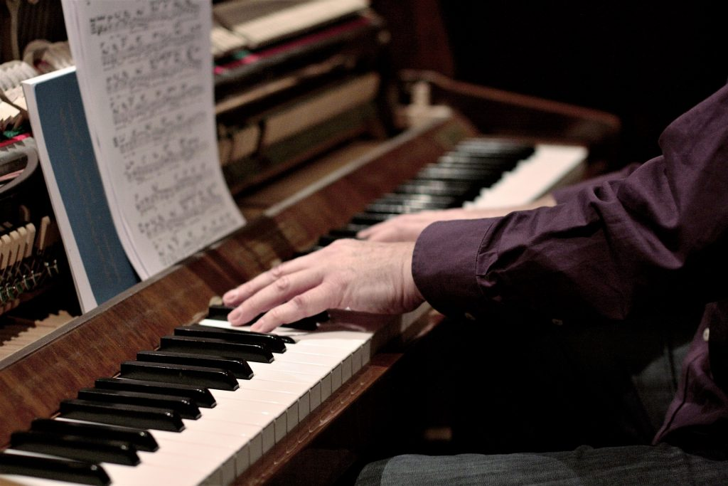 zelf piano leren spelen